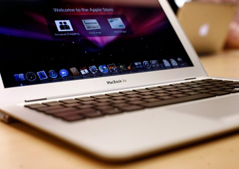 The MacBook Air is displayed at the Apple Store in New York February 1, 2008. Apple Inc. in January introduced the three-quarters of an inch thick aluminum-clad laptop, seeking to bring a new computer to market with the same cachet as its iPod and iPhone devices. REUTERS/Shannon Stapleton (UNITED STATES)
