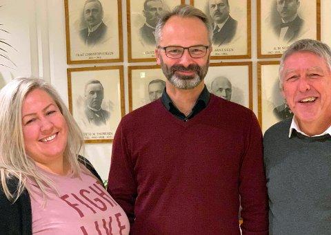 TOPPTRIO i LILLESTRØM AP: Ordførerkandidat Jørgen Vik, varaordførerkandidat Heidi Westbye Nyhus og John Harry Skoglund (t.h.)