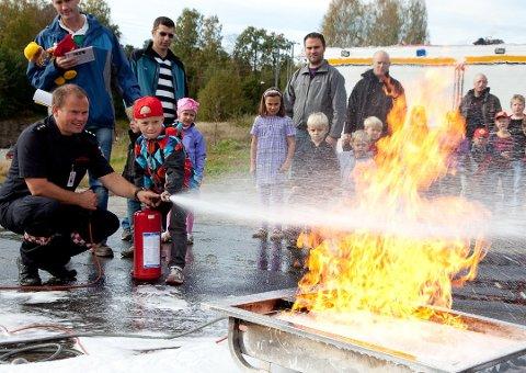 SMÅ OG STORE: Nå skal årets brannhelt kåres, men da trenger ABBV å få inn de gode historien.