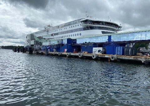 BLIR LIGGENDE: Sandefjord Kommune har lidd store økonomiske tap. Nordmenn må vente med Sverigeturen.