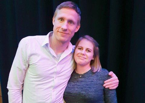 SLITEN OG FORNØYD: Magnus Jøndal og kona Emilie feiret EM-bronsen på den norske banketten lørdag kveld. Paret venter for øvrig sitt andre barn i mars.