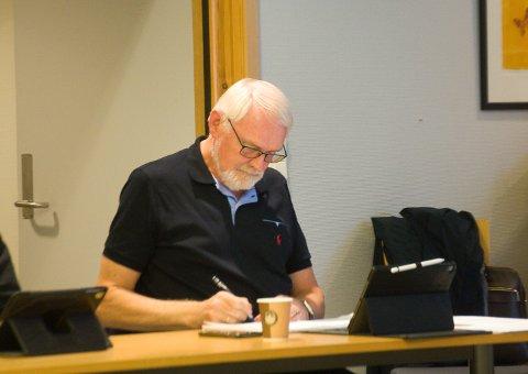 Styreleder: Bjørnar Grønbech vil ikke oppgi hva han får i honorar som styreleder i to borettslag der kommunen er en av eierne.