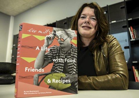 FIKK PRIS: Karen Hagen og hennes forlag Grapefrukt på Notodden fikk førstepremie i USA for denne boka. - Stas, sier Karen selv.
