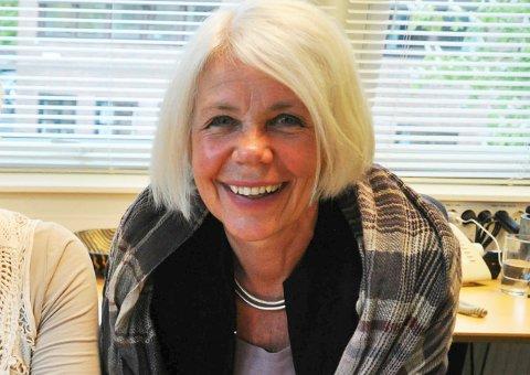 TILSKUDD: Anne Grete Rønningsdalen gleder seg over at kommunen har fått 700 000 kroner til tiltak som skal gjøre hverdagene bedre for beboerne på institusjonene.