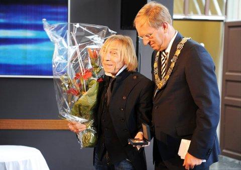 TØNSBERG-AMBASSADØR: Daværende ordfører Petter Berg fikk blant annet æren av å utnevne Jahn Teigen til æresborger av Tønsberg. Dette skjedde i 2010.
