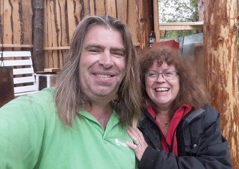 FORSKJELLSBEHANDLES: Kurt Lund og kona Mette har ikke kunnet besøke hytta i Sverige siden før nyttår. De mener det er urettferdig at norske hytteeiere forskjellsbehandles i forhold til dem med hytte over grensa.