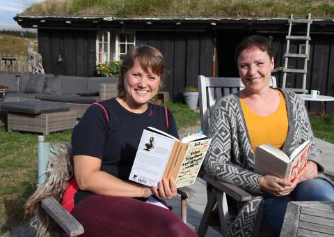 Litteraturformidlerne Merete Byrøygard og Linn T. Sunne vil presentere nye, spennende og kanskje mindre kjente bøker for voksne.