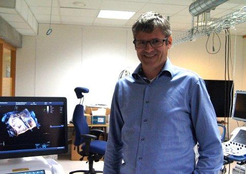 NY PROGRAMVARE: Principal Engineer Erik Steen har ledet utviklingen av programvaren i Vivid E95, som gir et forbedret ultralydbilde.