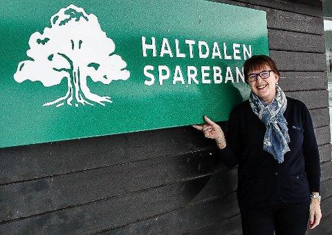 Nytt kontor: Banksjef Berit Aas Aune i Haltdalen Sparebank åpner nytt kontor på Støren torsdag. Foto: Inge Morten Smedås