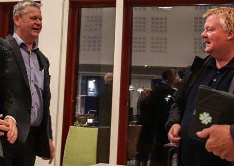 ENIGE: Odd Omland (Ap) til venstre i bildet og Ronny Nielsen (H) ønsker begge at Fedaheimen-planene ikke forringes av vedtaket om å bygge Kvinesdal Omsorgsenter 2020 til 80 millioner.