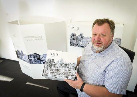 Eksklusiv vare: Svaice-gründer Geir Olsen føler seg uthengt som syndebukk for at Europas isbreer smelter, og peker på at isen han vil hente ut ellers vil ende opp som smeltevann i Storglomvatnet.Alle bilder: Johan Votvik