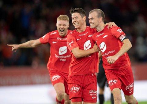Mathias Rasmussen har vært megt god på sitt beste i en turbulent sesong både for ham og Brann. Her feirer han mål mot Kristiansund sammen med Sivert Heltne Nilsen (t.v.) og Petter Strand.