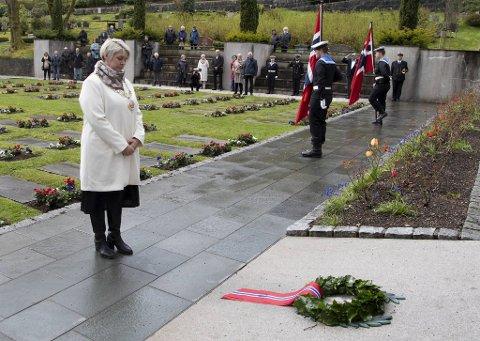 Ordfører Marte Mjøs Persen (Ap) holdt minnetale på Solheim kirkegård under fjorårets 75-årsmarkering av krigens slutt. Hun vil også i år ha et travelt program på 8. mai.