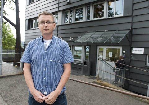 Hugo Torjussen ved MO-senteret er bekymret for det pågående smitteutbruddet i rusmiljøet.
