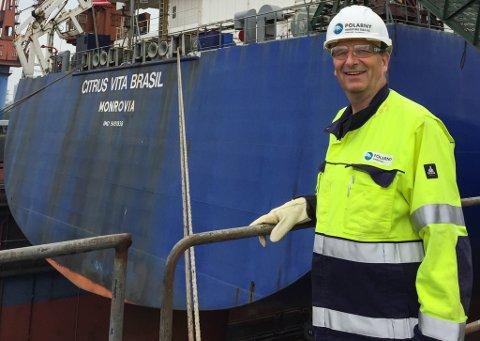 I KINA: Gustav Johan Nydal i Polarny under ein av turane til Kina for å følge opp ombygggingsprosjektet som blei til juicetankaren «Citris Vita Brasil».