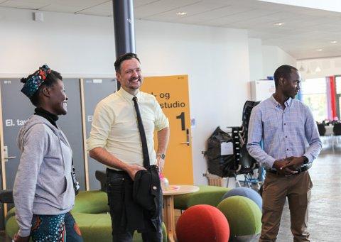 STORFINT BESØK: Bistandsministaren synast det er fantastisk alt Prosjekt Malawi UB har fått til.