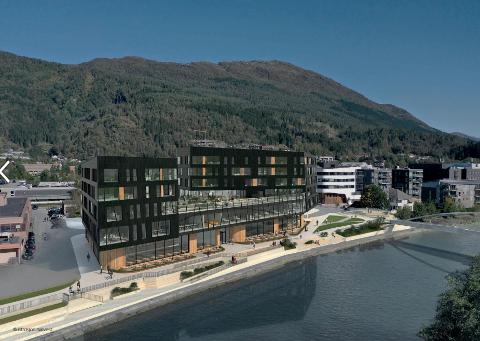 SERVERINGSSTADER: I første etasje på det planlagde bygget, Elvekanten, midt i Førde sentrum planlegg ubyggar Torbjørn Berqvam å legge til rette for serveringsstadar. Han er i dialog med fleire.