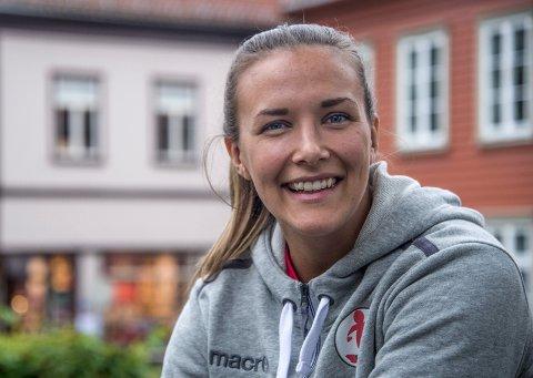 På landslaget: FBK-målvakt Jenny Sandgren er tatt ut på Sveriges A-landslag. (foto: Vidar Henriksen)