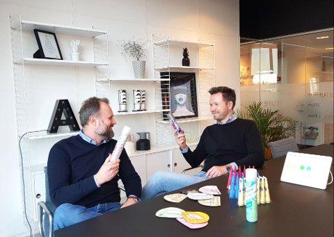 SATSER NYTT: Anders Torvanger Hansen (til venstre) skal bygge opp den nye satsingen til Aspire Brands på billigbutikker og matbutikker. Daglig leder Marius Ferstad tror dette området alene kan skaffe bedriften en økning i omsetningen opp mot 35 millioner kroner.