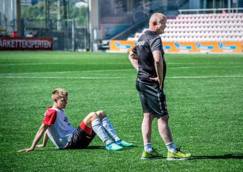 Tilbake: Thomas Rekdal er tilbake på treningsfeltet. Midtbanespilleren er tilgjengelig igjen til kampen mot Hønefoss onsdag. (foto: Geir a. Carlsson)