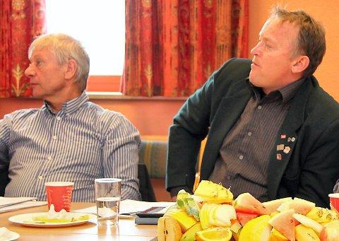 VIL OMSIDER BISTÅ: Våler-ordfører Kjell Konterud (til venstre) åpner for at           Våler kommune omsider kan ta ansvaret for å bosette og integrere flyktninger. Eidskog-ordfører Knut Gustav Woie synes det er naturlig at hans kommune også           bidrar. Arkivfoto: Rolf Nordberg
