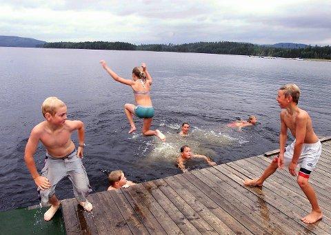 GODE PRØVER: Badevannet i Solør og Kongsvinger har fått gode test resultater. FOTO: OLE-JOHNNY MYHRVOLD