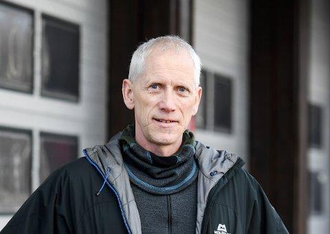 Leder av Nord-Gudbrandsdal Alpine Fjellredningsgruppe Albert Lunde råder folk å pakke med riktig utstyr til fjellturen.