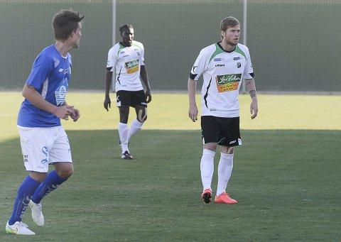 HBK: Ole Petter Berget (til høyre) håper på mye spilletid i Hønefoss BK denne sesongen. Her fra en kamp mot Hødd på La Manga i vinter. Foto: Tommy Nilsen