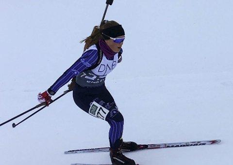 KJEMPELØP: Oda Støen Kolkinn fra SÅS og Team Lygna Skiskyting tok bronsemedalje på fellesstarten i junior NM i skiskyting klasse 17 år.