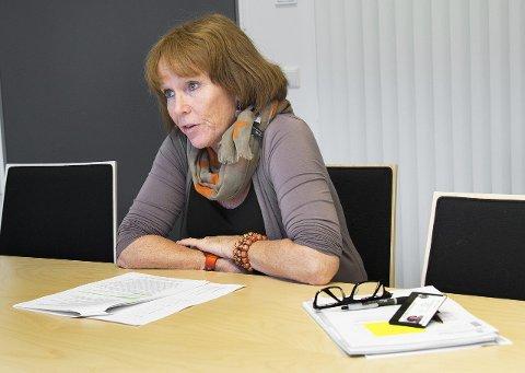KOORDINATOR: Karin Oraug i Halden kommune forteller at det er søkt om omsorgsboliger for asylsøkere tre forskjellige steder i Halden.
