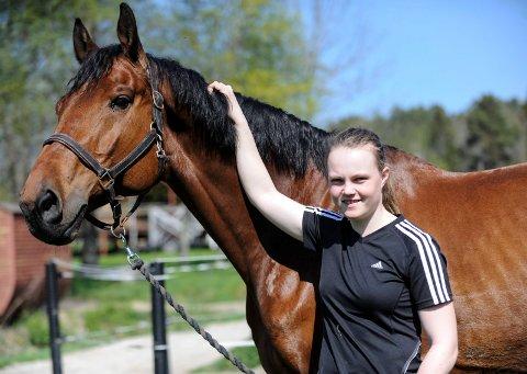 SJETTEPLASS: Helena Liholt Gulli (21) er ranket som verdens sjette beste dressurutøver i klasse Young Rider.