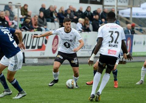 VIKTIG SEIER: Sabri Khattab og Elverum vant, og puster FFK i nakken i nedrykksstriden i 1. divisjon (OBOS-ligaen).