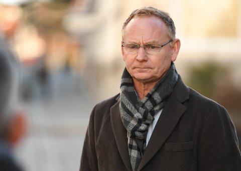 I MØTE: Kommunedirektør Roar Vevelstad og resten av kriseledelsen i kommunen skal bruke lørdagen til møtevirksomhet for å avklare om Halden trenger egne lokale tiltak når lettelsene i de regionale tiltakene trer i kraft natt til til 12. april.