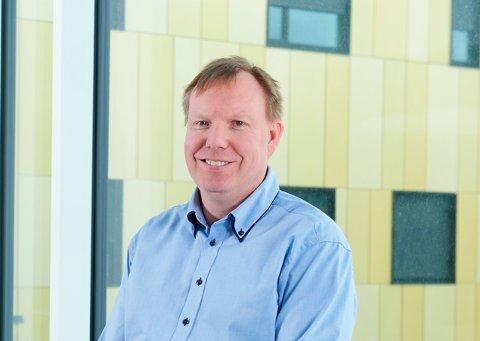 BEKYMRET: Kreftoverlege Andreas Stensvold frykter at kreftpasienter ligger hjemme og lider i stedet for å kontakte sykehuset under koronakrisen.