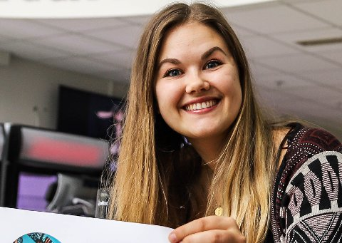 FAST JOBB: Emilie Evjen Berg har fått fast jobb i Halden og flytter hit. Sammen med samboeren.
