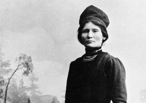 Biografi: Nå kommer den første helhetlige biografien om Elsa Laula Renberg.