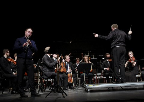 Jøran Hatten spilte klarinett under unge solister konserten.