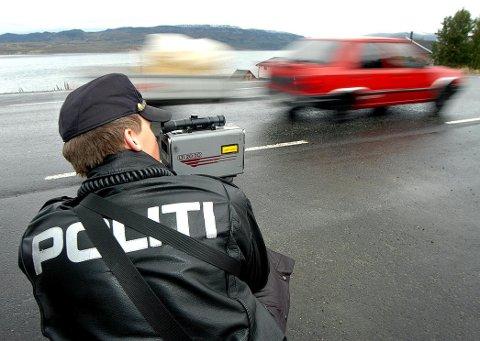 TATT: Mannen i 30-årene ble stoppet av politiet da han kjørte i 82 kilometer i timen i 30-sonen i Vadsø.
