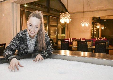 ISBRYTER I FINALEN: Nesseby og Finnmarks egen Agnete Johnsen er klar for lørdagens finale i Melodi Grand Prix. Hun stiller til start med «Ice Breaker», som ble til etter en samtale med venninnen.