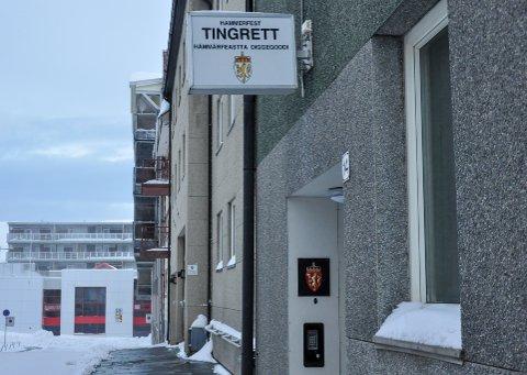 TINGRETTEN: Den siktede forklarte seg i rettsmøtet i Hammerfest tingrett torsdag.