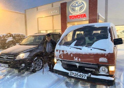 TROFAST SLITER: Bjarne Hunslund byttet nå ut sin 34 år gamle bil, etter å kjørt den i nesten 600.000 kilometer.