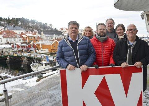 KV Flytter: Fra venstre: Per Eckholdt, Kristin Enge Minde, Trond Nøstvold Tou, Espen Solberg Nilsen, Anlaug Nordal og Nico Jørgensen. Jimmy Åsen var ikke til stede da bildet ble tatt.