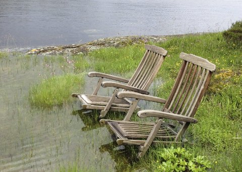 Ventar: Ventar på sol og badegjester.Britt prestnes