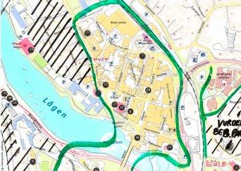 UTREDNING: Kartet fra utredning om betalingsparkering, viser de aktuelle gatene, merket med grønt. Sykehuset er til høyre i kartet.