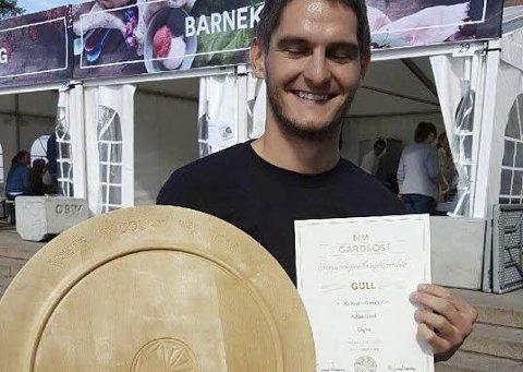 Viktig: Aalan gård sendt inn tre produkter til bedømming og tok hjem tre medaljer og «Årets produkt»:Foto: Anne Karine Statle /LofotenMAT