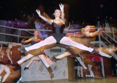FAME: Bildet er fra Applaus-oppsetningen i 2003. Nå setter Applaus igjen opp musikalen Fame.