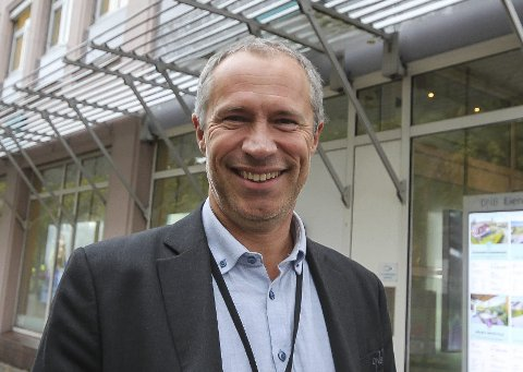 DAGENS NAVN: Øystein Undrum, banksjef i DNB Østfold Nord. Gift, og har i alt seks barn.