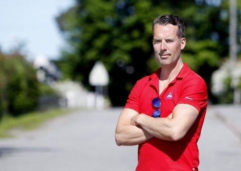 OPPFORDRING: – La barna gå eller sykle til skolen, sier distriktsleder i Trygg Trafikk Østfold, Paa-Gunnar Mathisen.