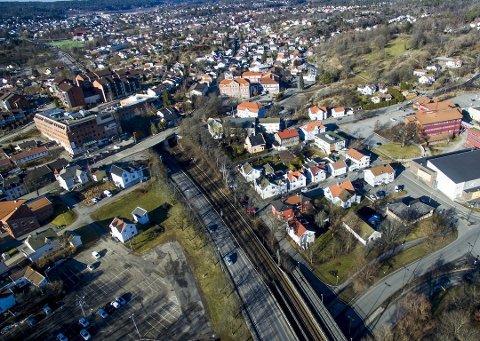 Bane NOR foreslår nå å droppe ny Grønli stasjon, som skulle bygges her, og satser på å oppgradere dagens stasjon i stedet.  Endringen inngår i en større innsparingspakke som skal redusere utgiftene til InterCity med hele 76 milliarder.