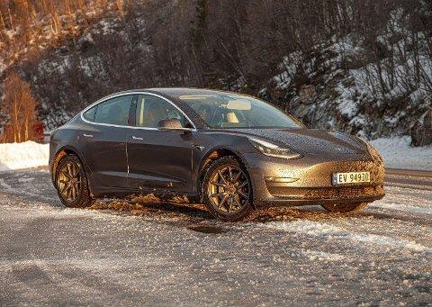 Model 3 på vinterføre Foto: Magnus Blaker